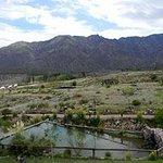 Vista de la cabaña a la montaña