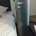 la porta del bagno non può essere aperta per neanche metà