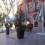 Cafetería con terracita.