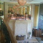 Hotel Lounge, Piano Balcony