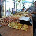 vasta scelta di pizza