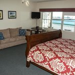 Our Waterfront Deluxe rooms offer one king sleigh bed