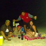 Una maravillosa noche en la playa Anakena.