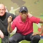 Lining up a putt with Tiger at Madame Tussauds