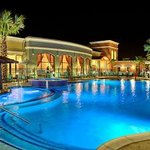 Courtyard By Marriott - Pool by Night fall