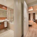 Room/bathroom