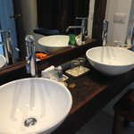 Double-sinks in the bathroom