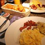 兄弟大飯店美式早餐
