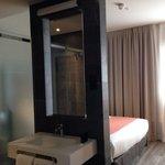 Visión general habitación y baño