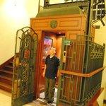 L'ascenseur époque !