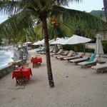 Seaview seating between pool and restaurant
