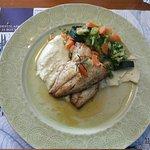 Filetes de peixe do dia braseado