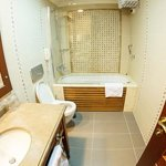 Bathroom inc jacuzzi bath