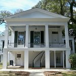 The Oakleigh Manor