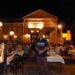 Moshos Taverna resmi