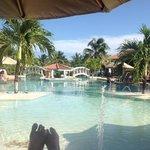 pool at belizeanshores