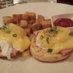 awesome eggs benny