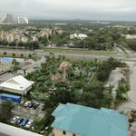 Vista do décimo quinto andar em direção a frente (ao longe parques da Disney)