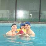 Muy buena piscina. Se puede nadar.