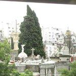 Al frente del cementerio de la Recoleta