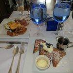 breakfast....sooooooooooo good.