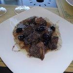 Ensopado de javali toscano com azeitonas