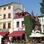 """Vista del """"corazón"""" del Barrio Judío de Cracovia"""
