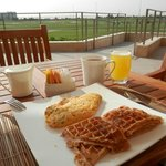 Breakfast next to the golf course