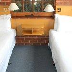 2 Bedroom Single Level Apartment Photo 4