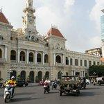 Jeep tour in Saigon_City Hall
