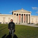 Um dos museus próximos à Pinacoteca.