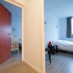 Suite familiale (deux chambres desservies par un couloir privatif)