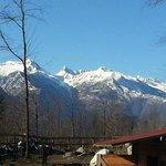 La visione di Madesimo e delle sue montagne in lontananza.