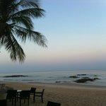 Spiaggia lato ristorante