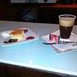 CAFE DELICIOSO Y TARTA RICA