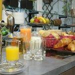 Een copieus ontbijtbuffet