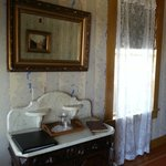Vintage furnishings in Californio Room (#9)