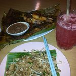 my dinner... grilled fish and tiger prawns, fried noodles and fresh watermelon juice