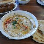 Hummus, pita y falafel