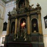 Altar lateral direito.