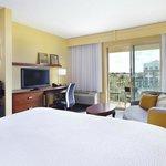 King Guest Room w/ Balcony