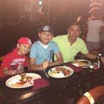 Cenando con mis reyes ��