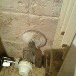 particolare del termosifone in bagno