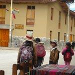 Estudantes voltando da escola.