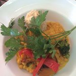 Bali Curry - Balinese curry with chickpeas, broccoli, pumpkin and carrots with brown rice