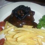 Rubbish Overdone, dry steak