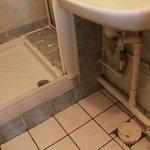 stinking bathroom