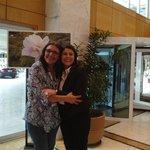 Saguão do Hotel eu  e minha amiga