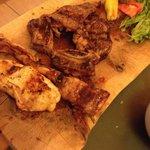 Primeira parte da parrila, as carnes vem aos poucos sempre quentes e frescas!