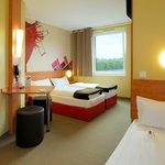 B&B Hotel Düsseldorf-Airport - Familienzimmer für 3 Personen